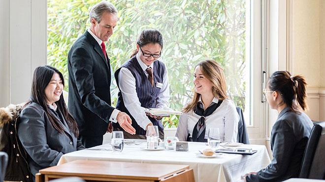 du học ngành nhà hàng khách sạn tại Đức