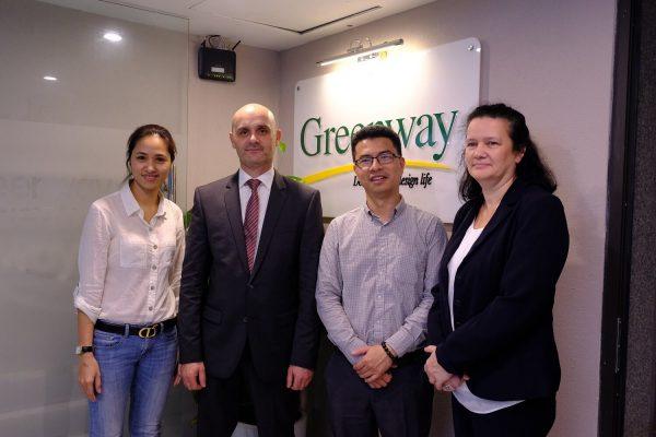 Tiến Sĩ Đinh Nguyên Tùng cùng đối tác Greenway