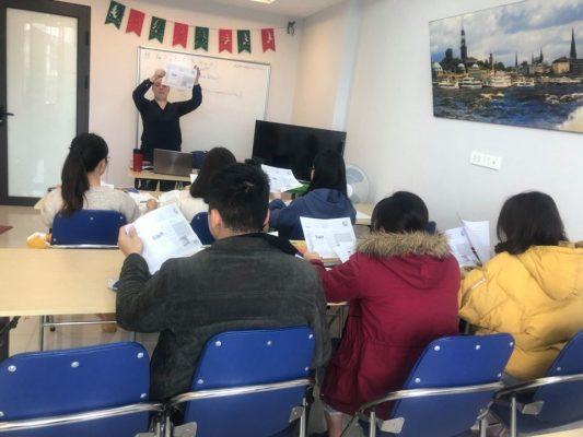 Học với giáo viên người Đức