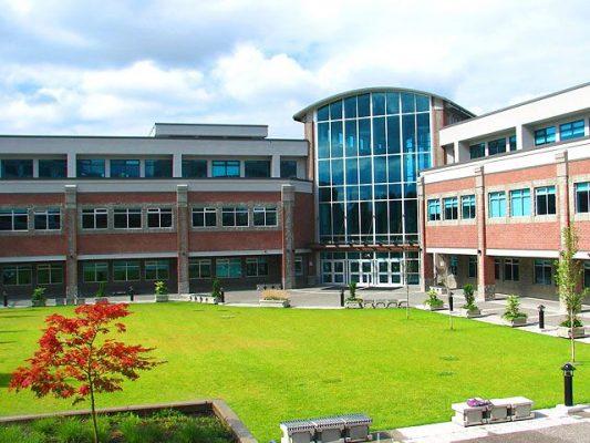 Du học Canad Douglas college